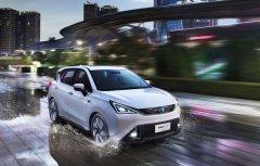 销量下滑考验新能源汽车市场化转型