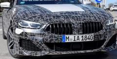 宝马最新的大型汽车8系双门轿跑车和敞篷车在德国被间谍发现